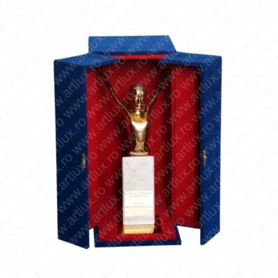 _vyr_14cutie_usi_trofeu